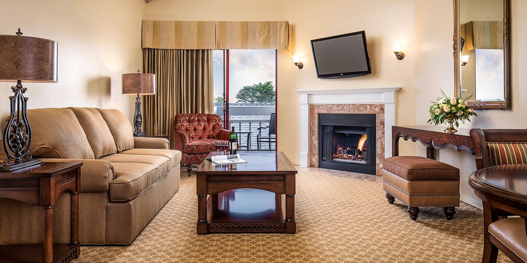 Stay in Victorian Inn, California Hotel